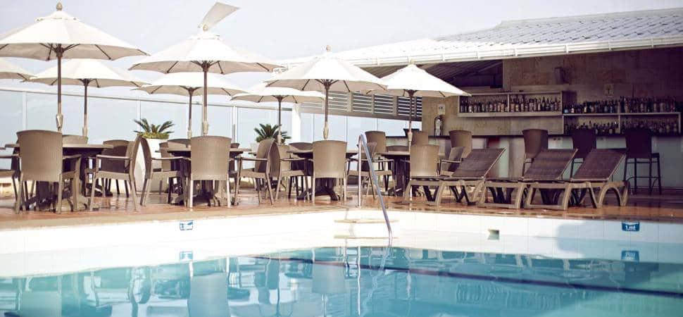 piscina hotel capilla del mar